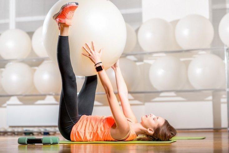 Фитнес упражнения для бедер и ягодиц