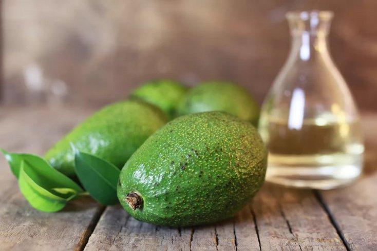Масло авокадо — компонент в составе антивозрастных масок