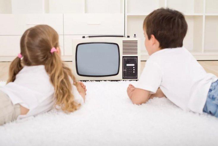 Как родителям ограничить общение с телевизором