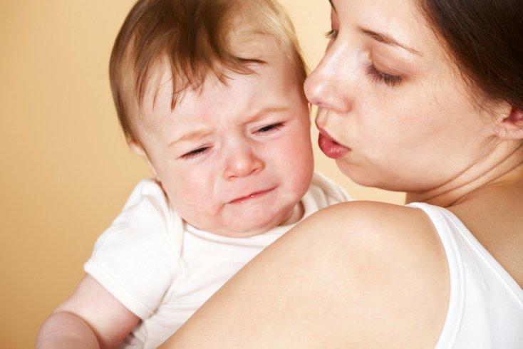 Сыт, спокоен и здоров — так почему ребенок плачет?