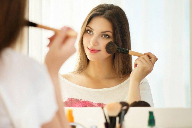 Для красоты образа: макияж и прическа