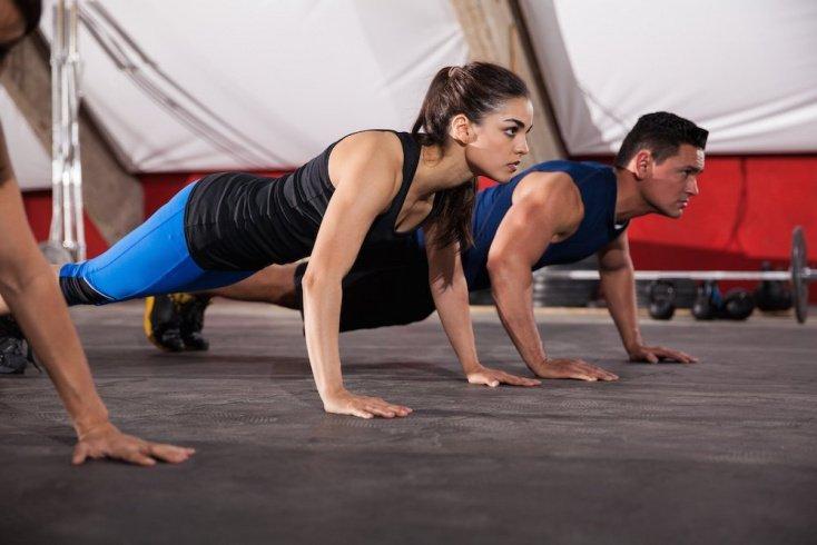 Основные варианты фитнес-упражнений на отжимание