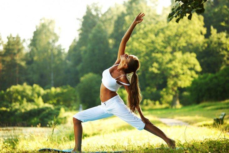 Асаны йоги для похудения: положение стоя