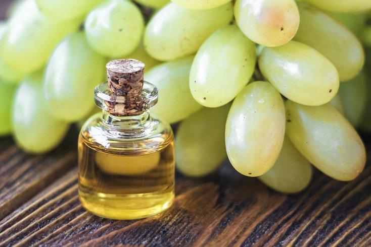 Виноградное: восстановление длинных волос с секущимися кончиками