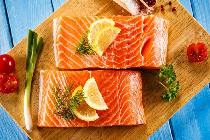 Красная рыба: в чем ее польза для кожи?