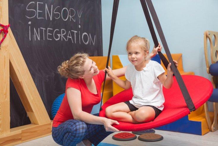 Сенсорное расстройство у детей: причины и признаки