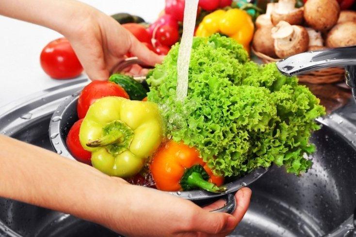 Мытье фруктов и овощей перед хранением