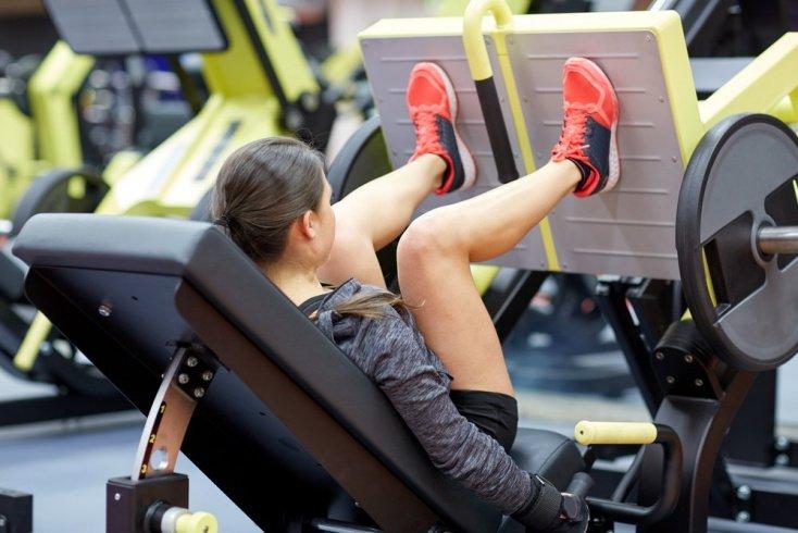 Техника упражнения «Жим ногами в тренажере» и его вариации