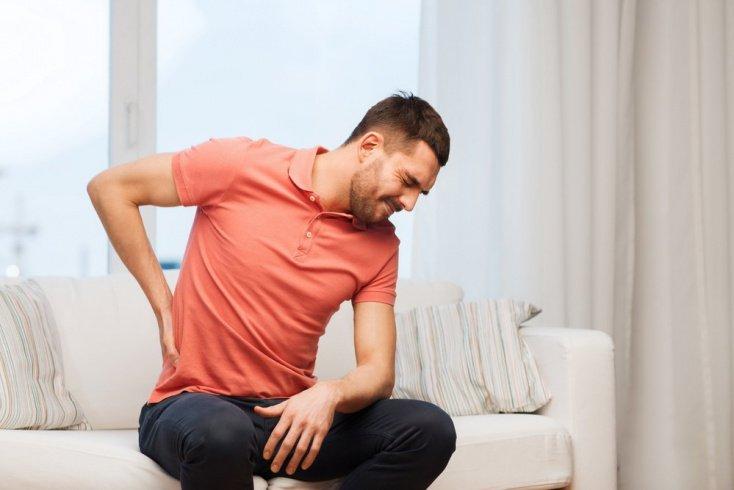 Боль и другие симптомы почечной колики