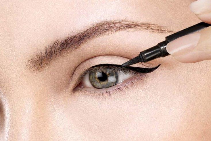 Шаг 6: Контурный карандаш или подводка для глаз