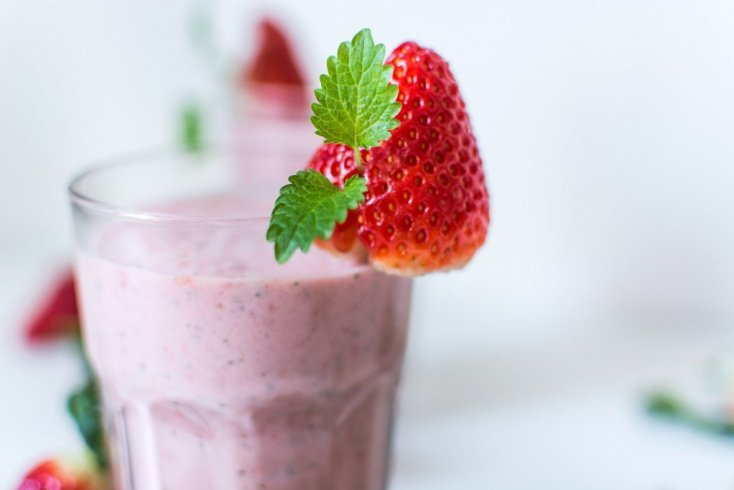 Полезные ягоды: микс из клюквы и сыворотки