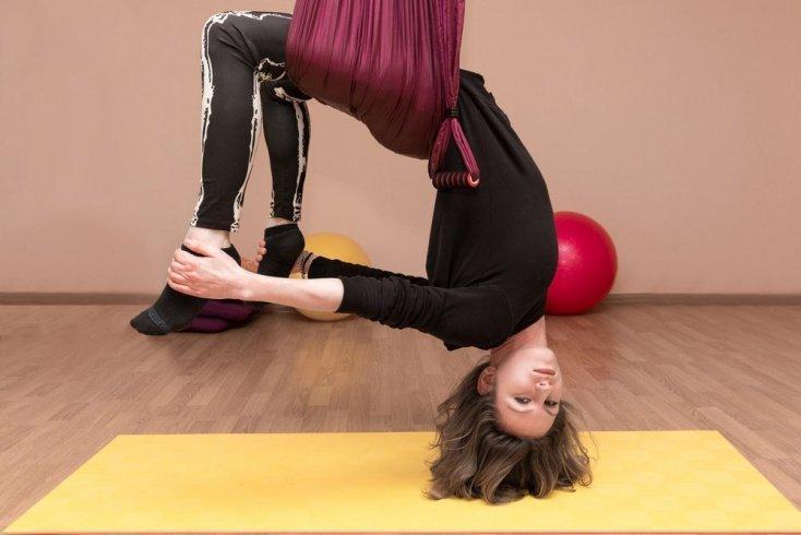 Показания и противопоказания упражнений йоги