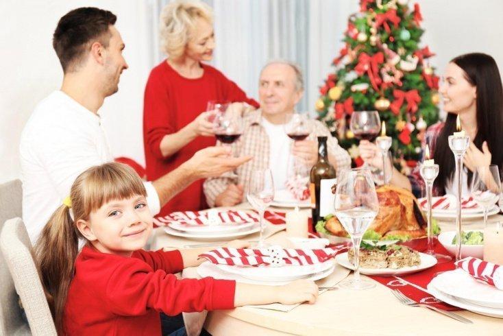 Общие важные правила новогоднего стола для ребенка