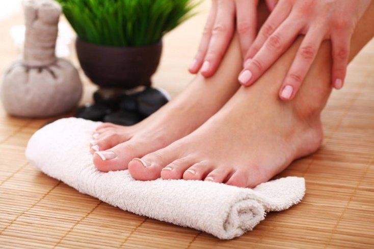Рецепты красоты: солевые ванны для здоровья ног