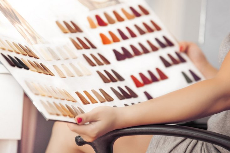 Краска для волос: сравнение и особенности