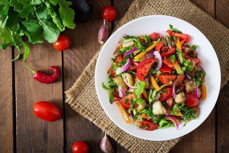 Рецепты салатов с чесноком и луком для детей от 3 и до 5 лет