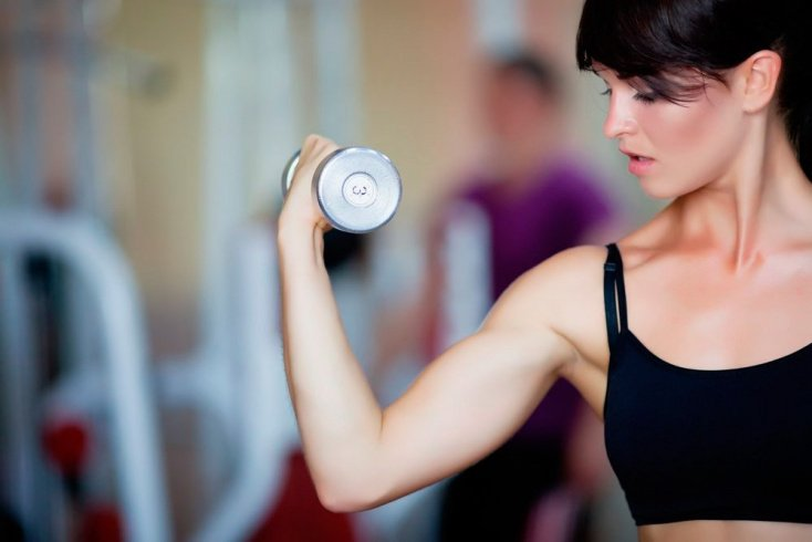 Подбор гантелей и правила выполнения фитнес-упражнений