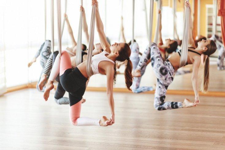 Кому подходит и как проводится воздушная йога?