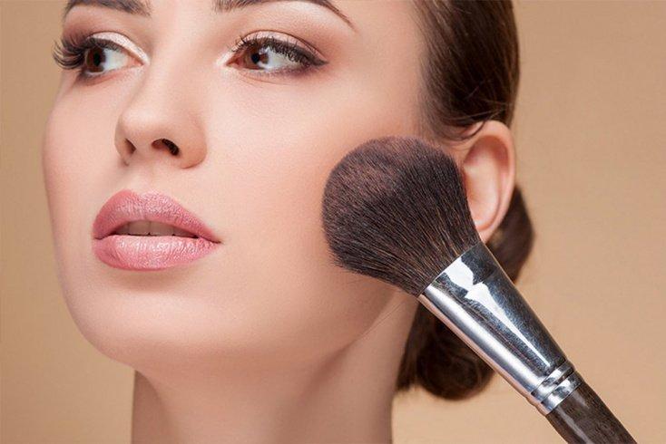 Как косметика поможет изменить форму носа?