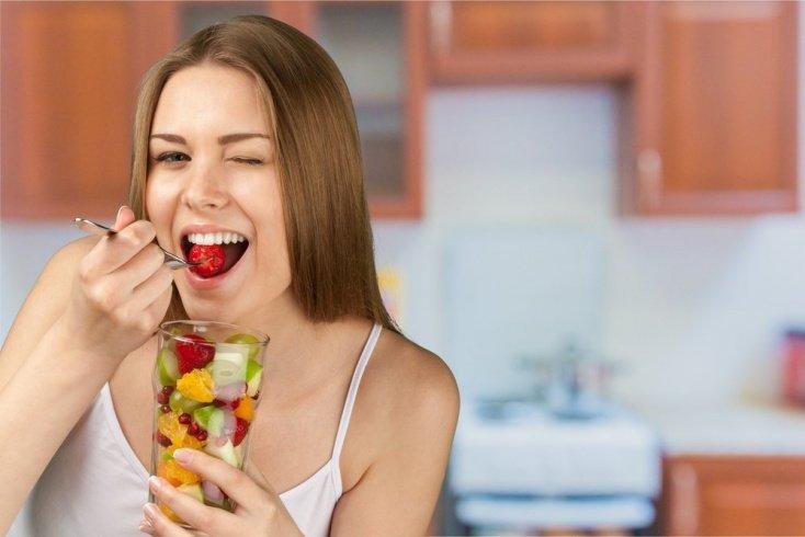Когда и как лучше употреблять фрукты, чтобы сбросить лишний вес
