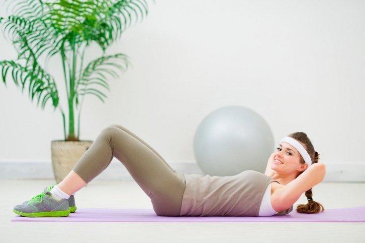 Фитнес-упражнения для верхнего пресса