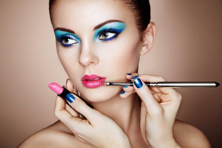 Сколько акцентов должно быть в вечернем макияже?