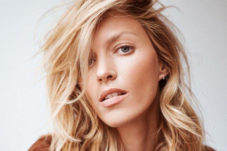 Как заставила свои волосы расти быстрее Аня Рубик? Источник: pinlavie.com
