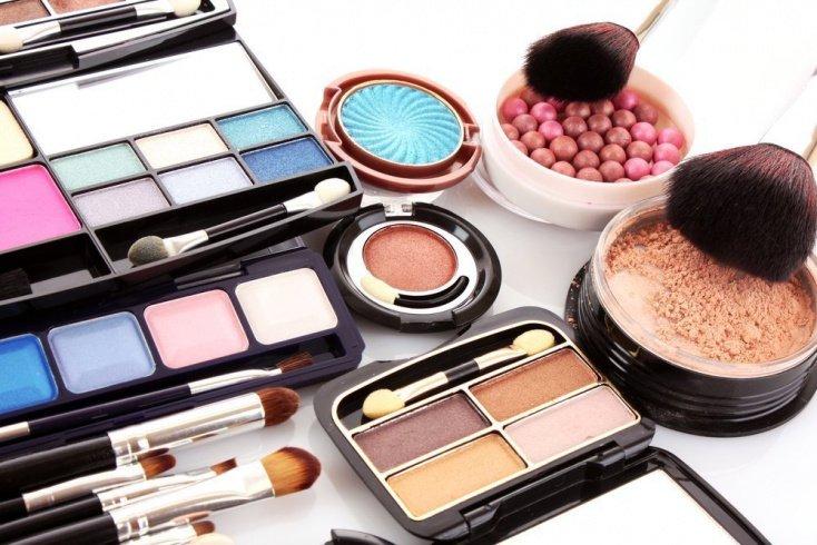 Декоративная косметика для безупречного макияжа