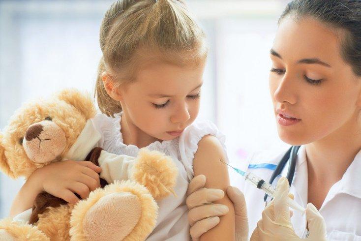 Некоторые вакцины, защищающие ребенка от ХИБ инфекции