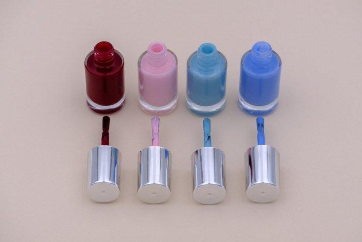 Некачественный лак для дизайна ногтей