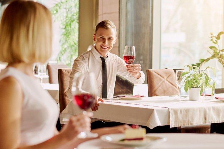 Знакомства в ресторане, баре или клубе