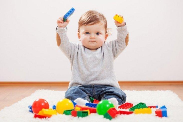 Чем развлечь детей в возрасте 10-12 месяцев?