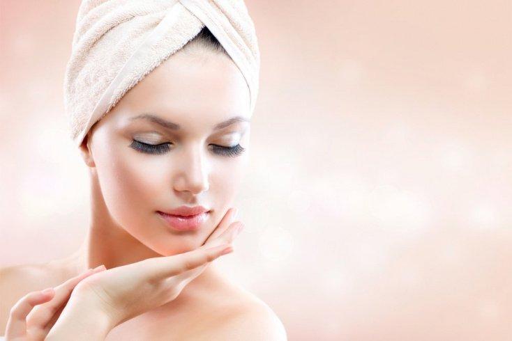 Комбинированная кожа: устранение блеска, маскировка шелушений