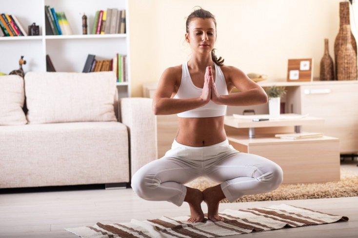 Йога для начинающих поклонников ЗОЖ в домашних условиях
