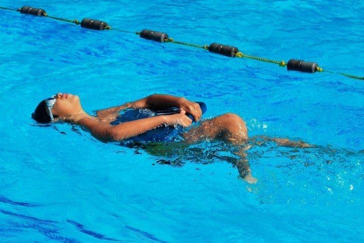 Польза фитнеса в бассейне