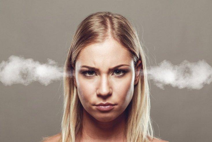 Общение с женщиной истерического типа: что нужно знать?