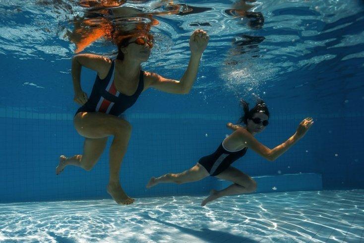 Аэробные упражнения для тренинга в бассейне