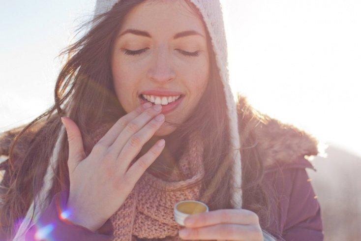 Как еще можно защитить нежную кожу губ?