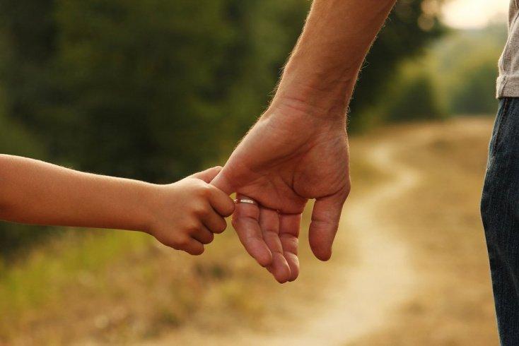 Когда можно оставлять детей на улице без присмотра?
