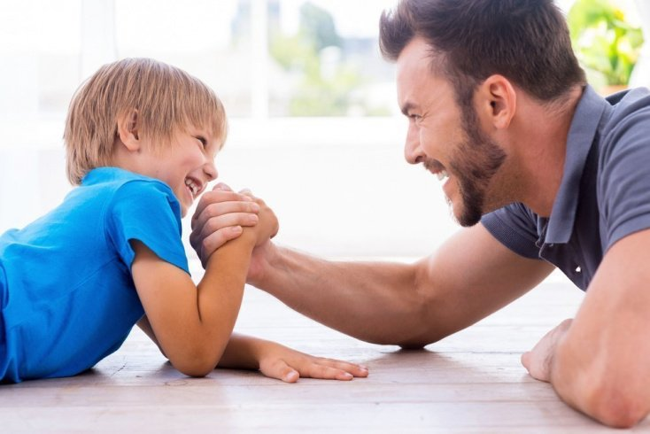 Подход отца к друзьям детей