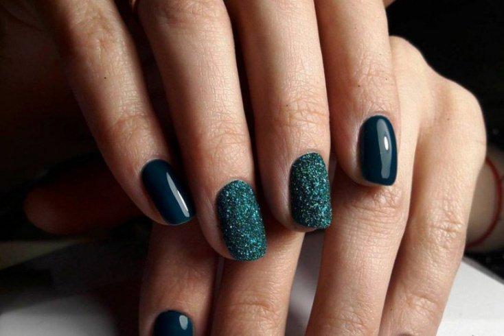 9. Меланж (сахарок) на ногтях Источник: pinimg.com