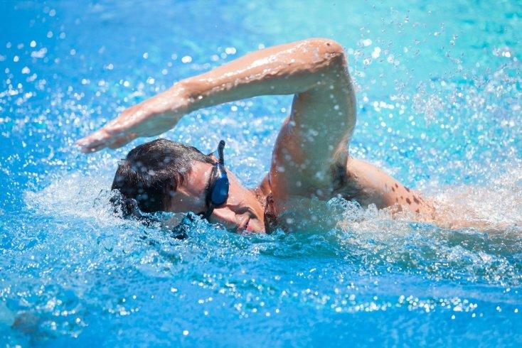 Виды физических нагрузок в бассейне