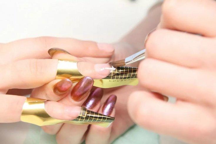Способы наращивания ногтей: на формы или типсы?
