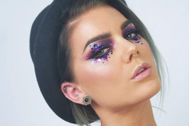 Фиолетовая фантазия Источник: фото визажиста