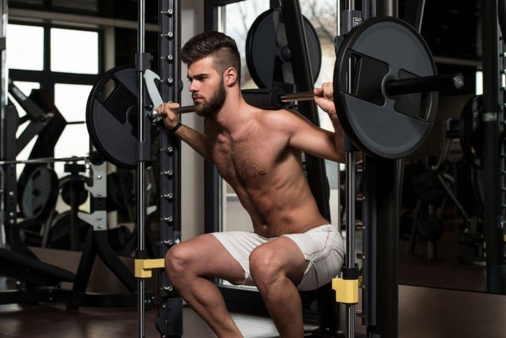 Приседания со штангой: разновидности физической нагрузки
