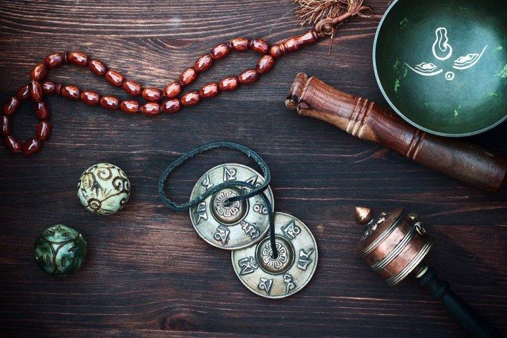 Медитация с «поющими» чашами