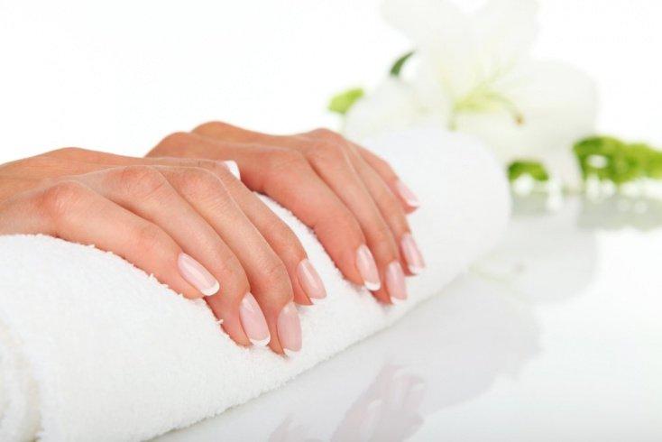Как вернуть природную красоту: домашние средства для кожи рук