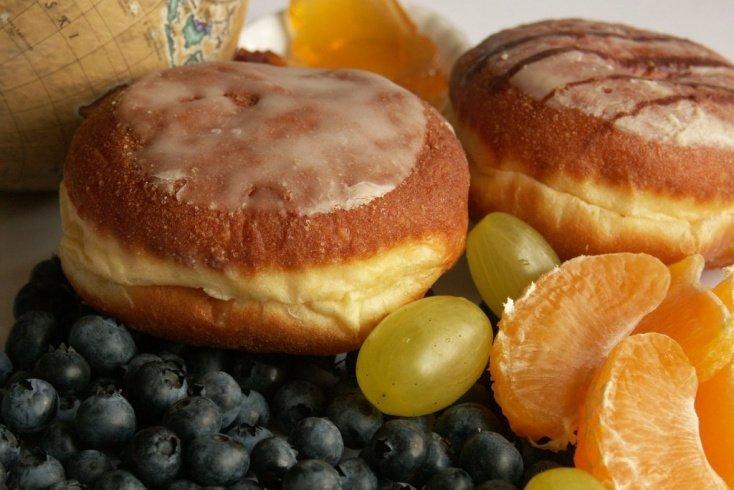 Пончики с начинкой из фруктов
