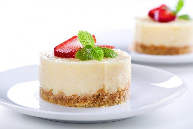 Легкий диетический десерт: чизкейк без выпечки