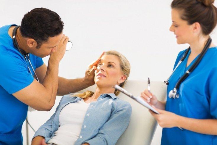 Ожог глаза при работе с химическими веществами